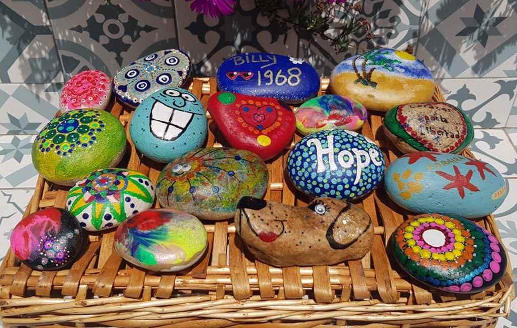Nu ook 'Happy Stones' als 'RocaLoca' in Spanje na Nederlands initiatief Costa Blanca
