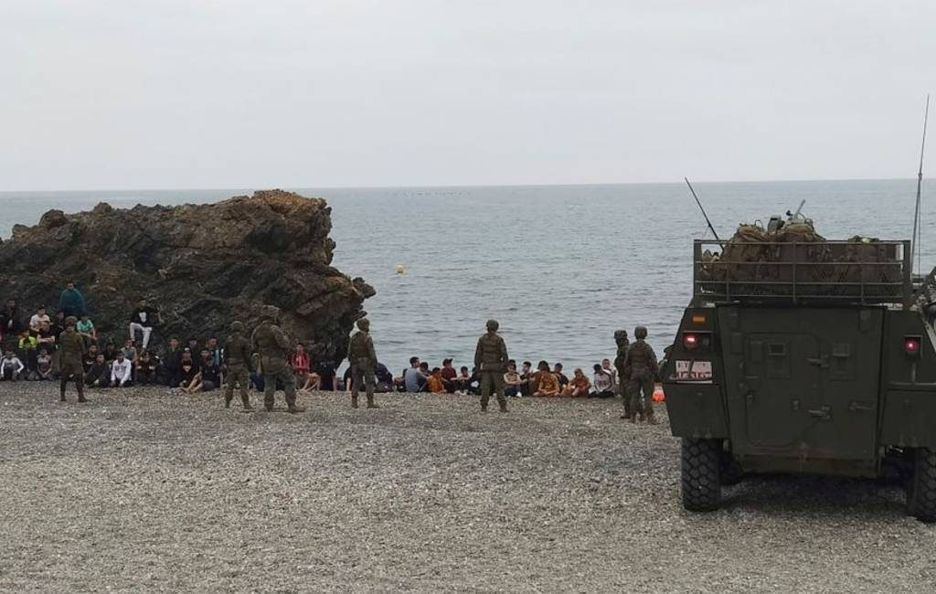 Spaanse leger moet optreden bij nieuwe migranten-crisis: 6.000 migranten bij de grens tussen Marokko en Spanje