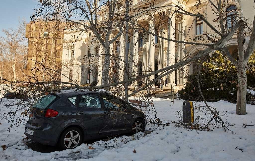 Madrid wil na hevige sneeuwval tot rampgebied verklaard worden