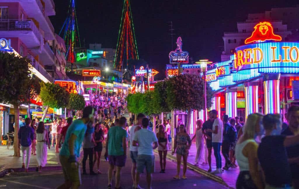 Diverse uitgaansgebieden Mallorca gesloten vanwege onverantwoord gedrag toeristen