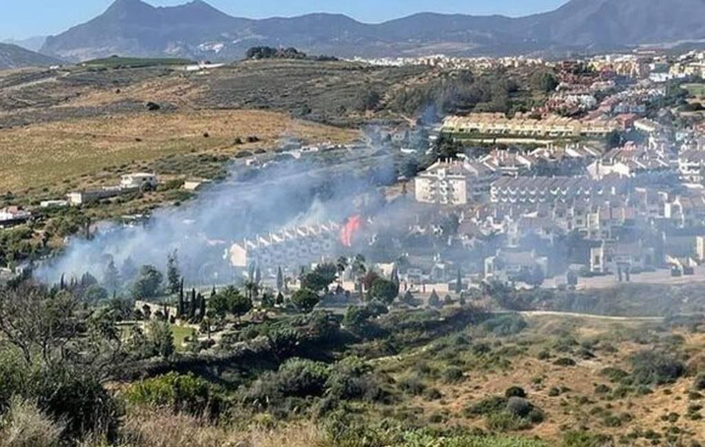 Natuurbrand zorgt voor evacuatie 300 hotelgasten en 30 inwoners van Manilva