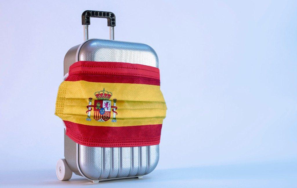 Mondkapjes mogen bijna overal af in Nederland maar niet in België en Spanje
