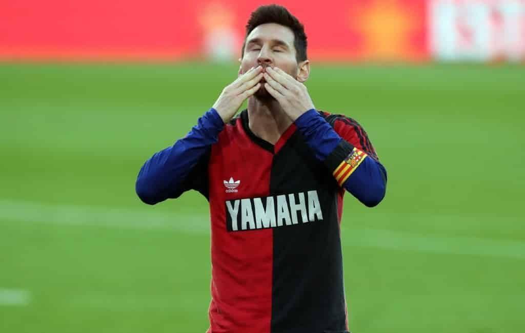 600 euro boete Messi omdat hij Maradona-shirt droeg als eerbetoon