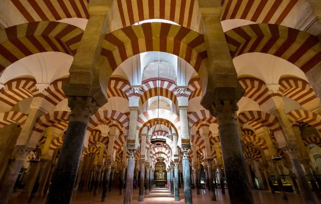Regering Spanje opent de weg naar 34.000 claims op activa van de Kerk