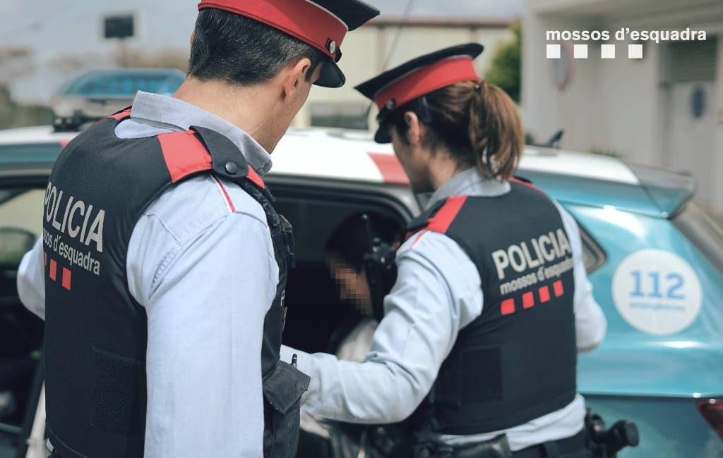 Politie bevrijdt in Barcelona Chinese slaven die niet wisten dat er een pandemie gaande is