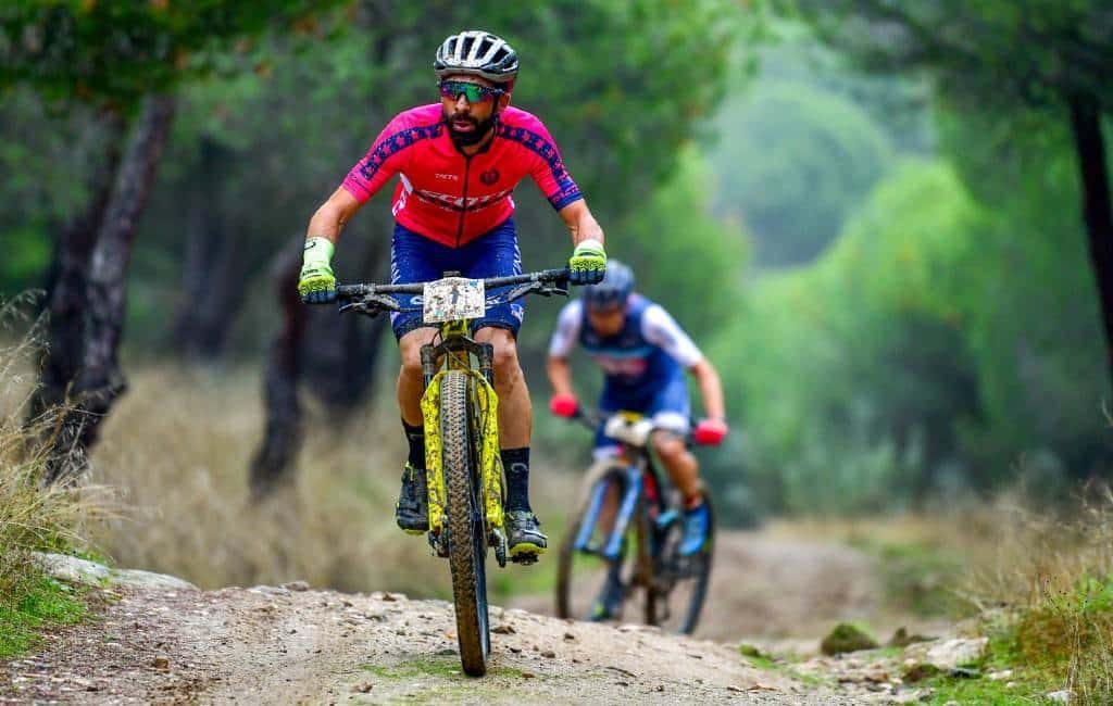 Mountainbike race afgelast vanwege burgemeester en gewapende jagers