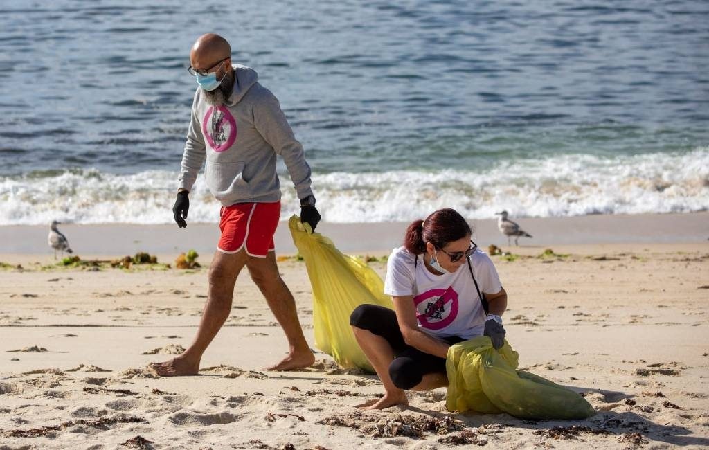 World Clean Up Day in Spanje waar tussen 18 en 16 september stranden worden schoongemaakt