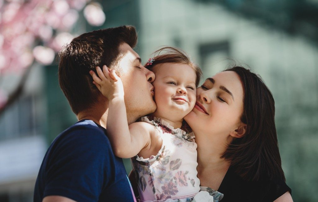 Spaanse minister dient voorstel in voor verlenging ouderschapsverlof en invoer kindergeld