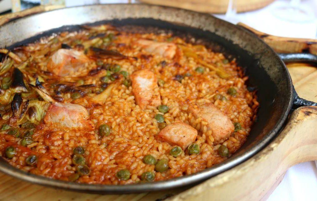 De paella zoals deze volgens de Spaanse overheid traditioneel bereid wordt
