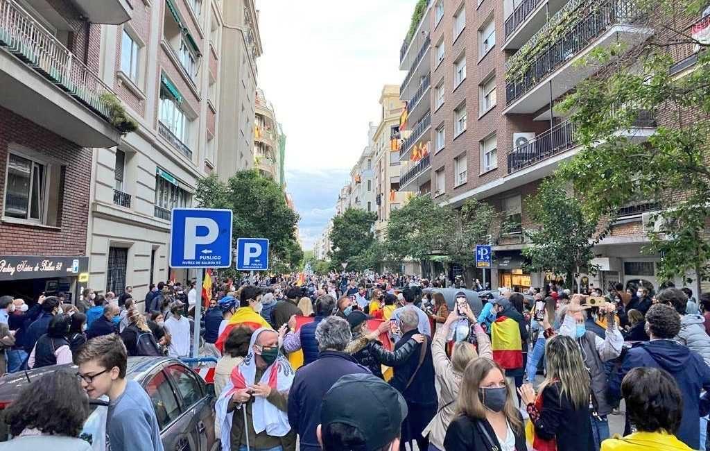 Rijke inwoners Salamanca wijk in Madrid protesteren op straat