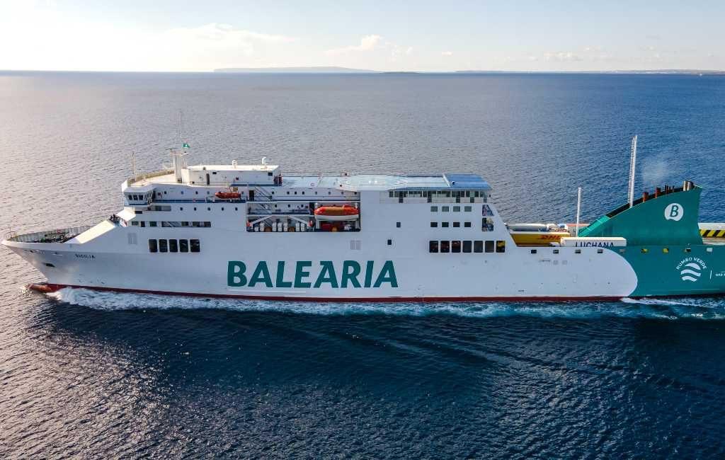 170 studenten uit 'Hotel Covid' op Mallorca na uitspraak rechter met de ferry naar Valencia vertrokken
