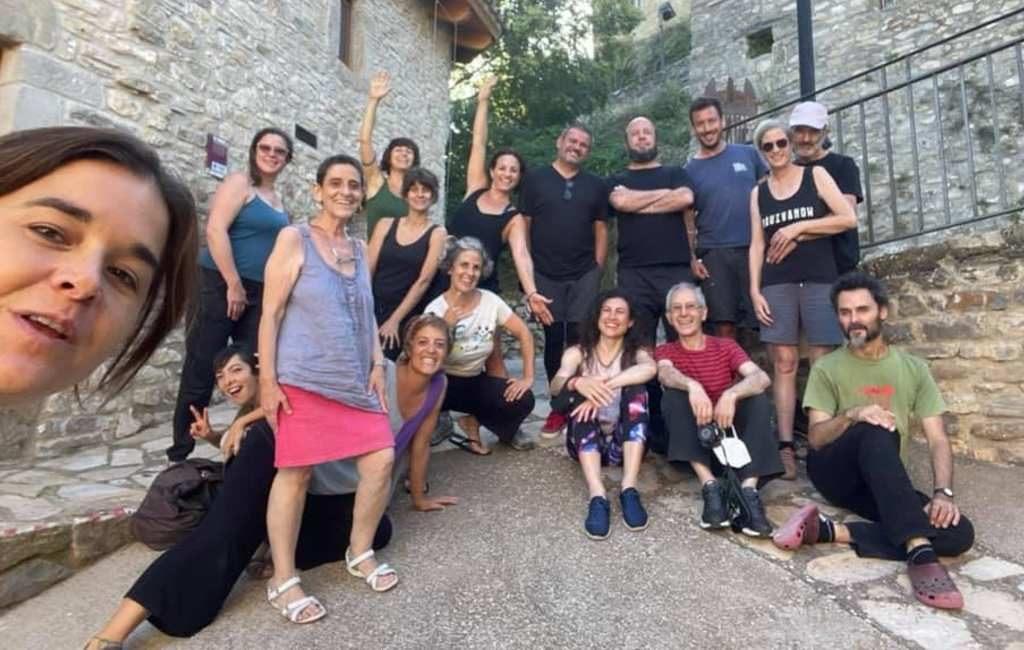 Poppenspeler uit Nederland geeft 35 Spaanse poppenspelers les in Huesca