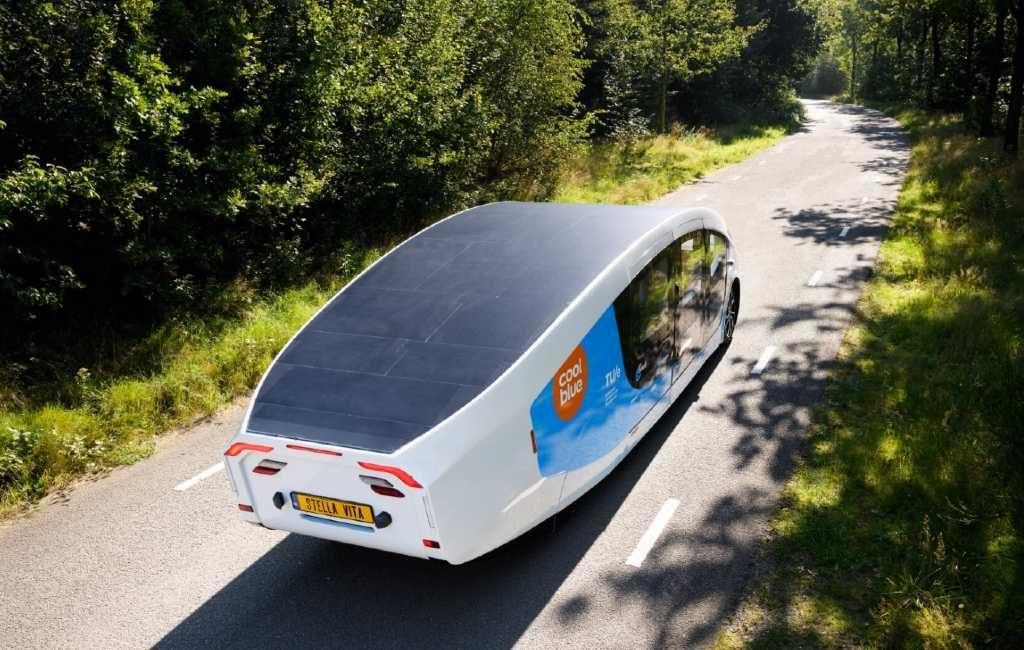 Elektrische camper op zonne-energie begonnen aan rit naar Zuid Spanje