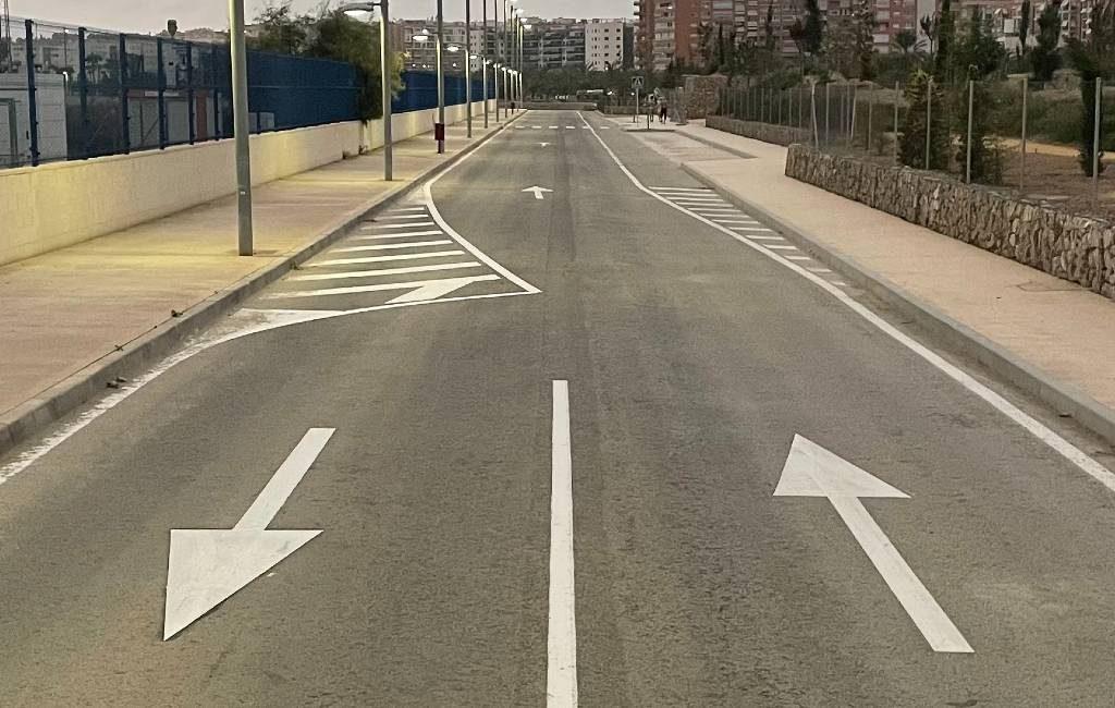 De straat in Alicante die nergens naartoe gaat en een of twee richtingen is