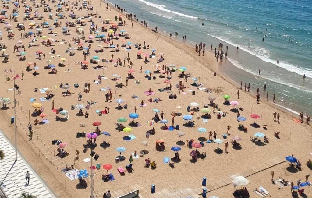 Stranden van Benidorm vanaf 26 juni niet meer opgedeeld in percelen