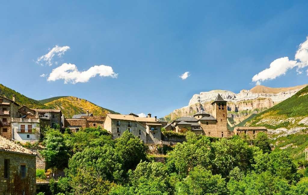 Provincie Huesca verbijsterd over negatief reisadvies België