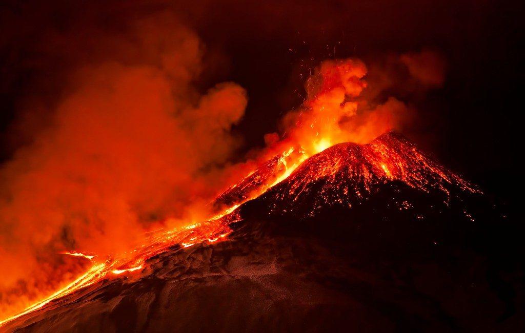 Hoeveel vulkaanuitbarstingen hebben de afgelopen 500 jaar in Spanje plaatsgevonden?