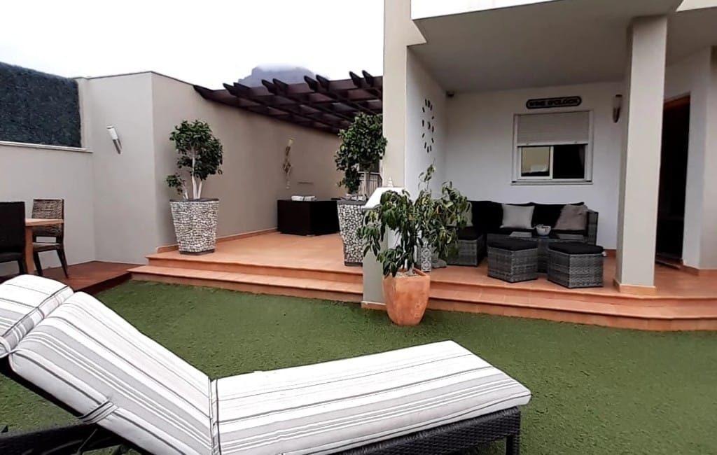 Voor 2,80 euro kun jij de eigenaar worden van deze woning op Tenerife